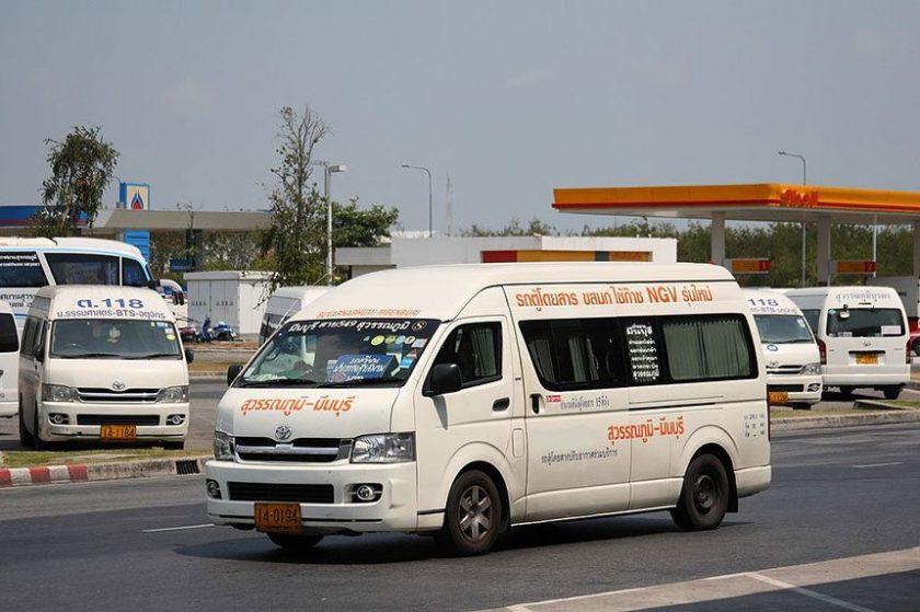 bangkok-airport-public-van-860x573.jpg