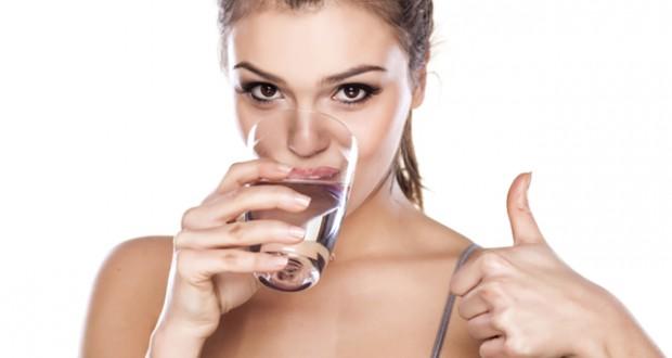 meminum-air-putih_1.jpg