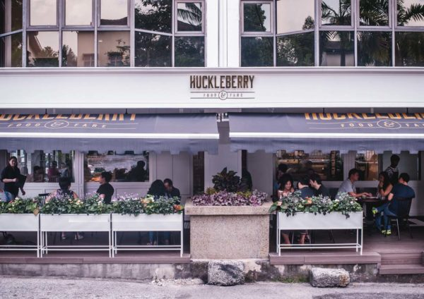 huckleberry-food-and-fare-plaza-damansara-exterior-600x424